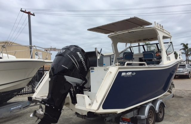 Sea Rider - Mercury 200hp L6 Verado