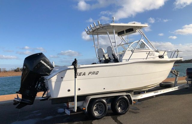 Sea Pro 220 WA - Mercury 3.4L V6 225hp DTS EFI Four Stroke